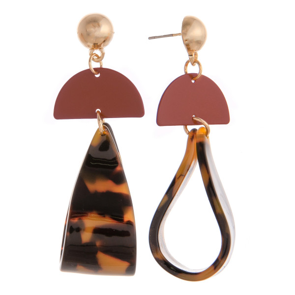 "Short gold and acetate dangling earring. Approximate 2"" in length."