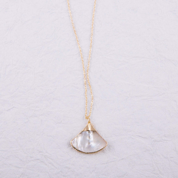 "Cable chain mother of pearl seashell necklace. Pendant approximately 1"" in length. Approximately 16"" in length overall."