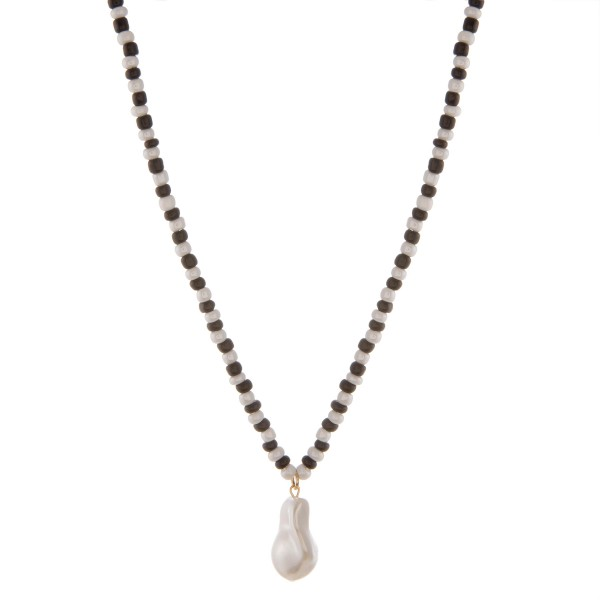 "Faux pearl color beaded necklace.  - Pearl approximately 1"" - Approximately 16"" L with 3"" extender"