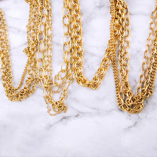 """Chunky gold knot lined necklace.  - Approximately 12"""" in length with 3.5"""" extender"""