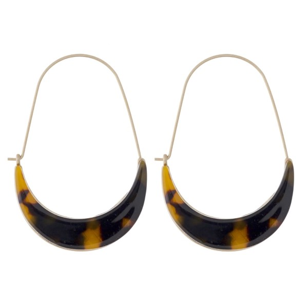 "Gold tone earring with acetate detail. Approximately 2"" in length."