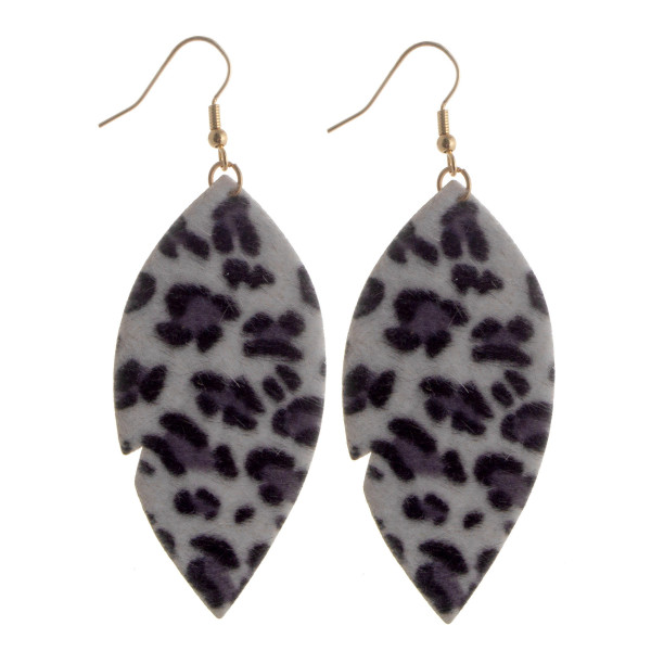 Fish hook short faux animal print earrings.