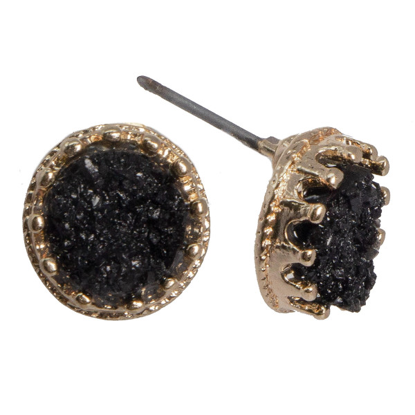 Gold tone stud with druzy accent. Approximately 10mm in size.
