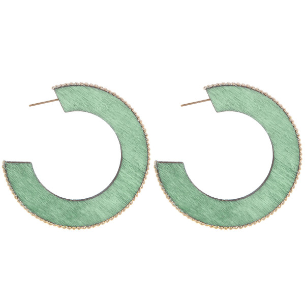 "Wood open hoop earring with metal chain link along the outline. Approximate 2"" in length."