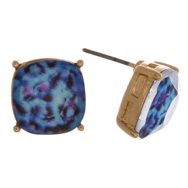 Gold stud earrings featuring a iridescent acrylic stone with leopard print details. Approximately 1cm in diameter.