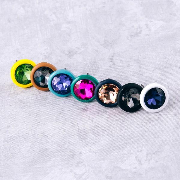 Rhinestone encased stud earrings. Approximately 1cm in diameter.