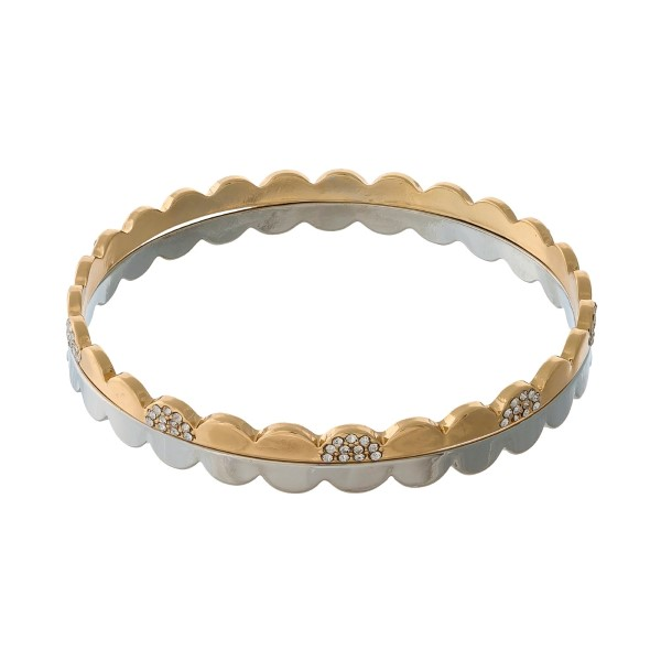 Two piece, two tone tone bangle set with scalloped edges and clear rhinestones.
