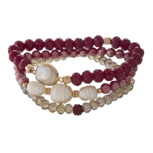 Stretch bracelet set with faceted beads and pearl details.