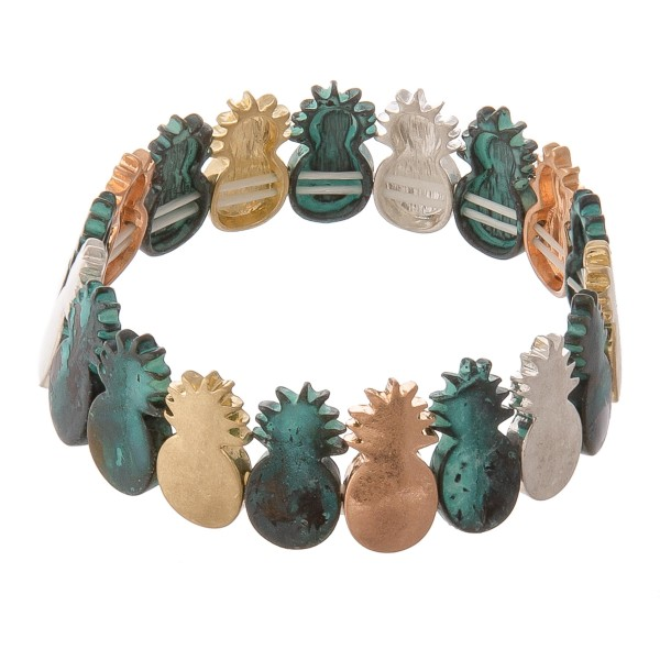 """Metal pineapple stretch bracelet.  - Approximately 3"""" in diameter unstretched - Fits up to a 7"""" wrist"""