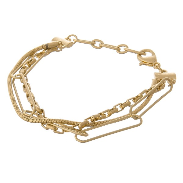 """Hera link box chain bracelet.   - Lobster clasp - Adjustable 1"""" extender - Approximately 3"""" in diameter - Fits up to an 8"""" wrist"""