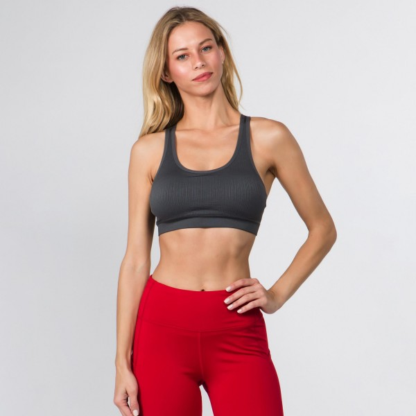 Feel pretty as you go into downward dog in yoga class or while you sway to the music at a festival. This workout bra features a simple design on the front and delicate macrame detail on the back. 