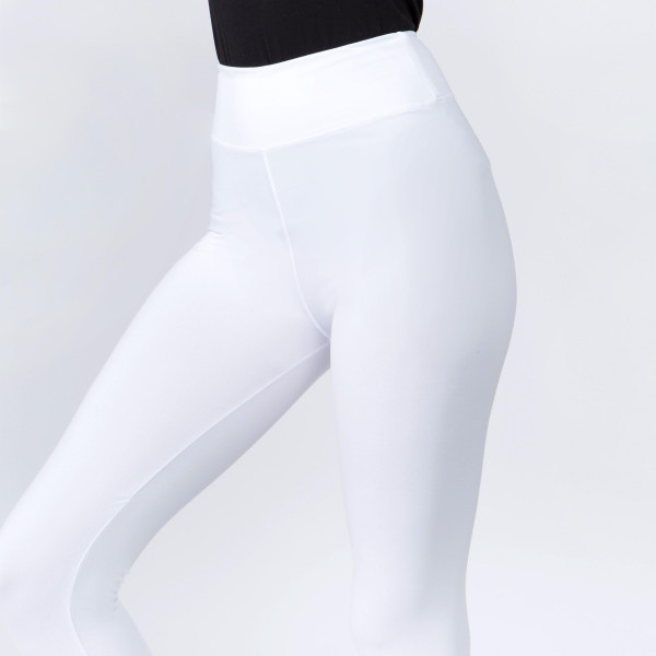 "New Mix brand solid seamless peach skin capri leggings.  - 3"" high rise waistband - Inseam approximately 18"" L  - 92% Polyester, 8% Spandex"