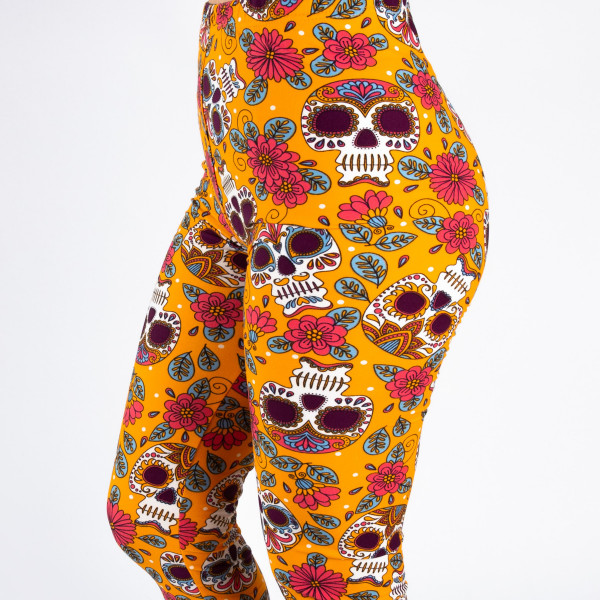 "Peach skin sugar skull print capri style leggings. Inseam approximately 19"".  - One size fits most 0-14  - Composition: 92% Polyester, 8% Spandex/Elasthanne"