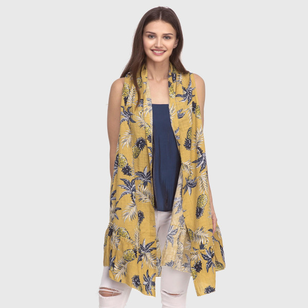 Lightweight kimono with a pineapple print and sleeveless. 50% viscose and 50% cotton One size fits most.