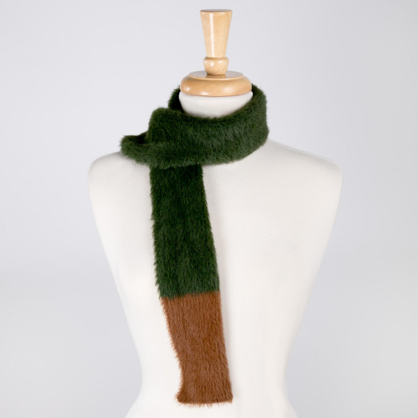 Two tone faux fur scarf. Approximately 3.5 ft in length. 100% Acrylic.