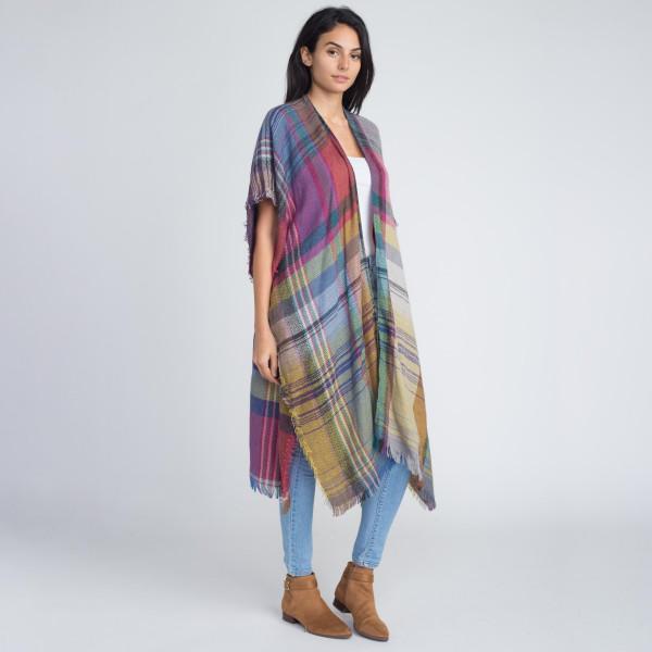 Nice long heavyweight plaid kimono. 100% acrylic.   One size fits most.