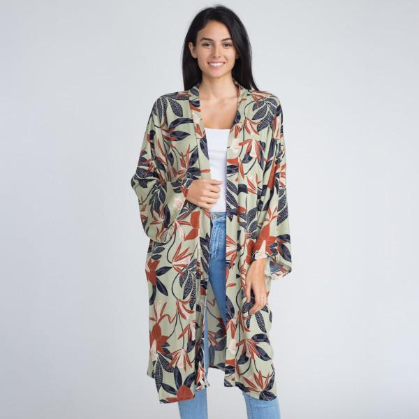Floral print long kimono. 100% viscose.