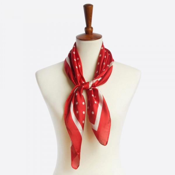 Polka dot printed scarf. 100% polyester.