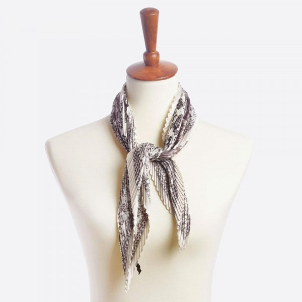 "Light weight multi-striped scarf. Dimension: 27 1/2"" x 27 1/2 100% POLYESTER"
