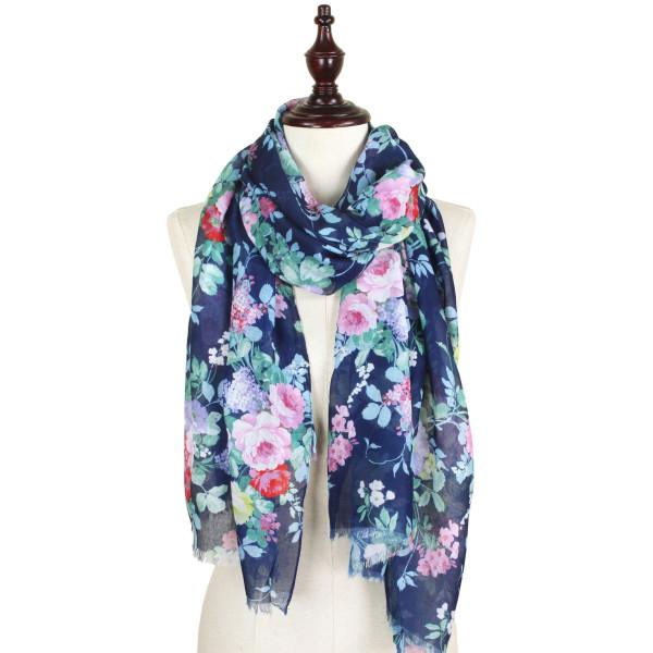 Flower print scarf. 100% polyester.