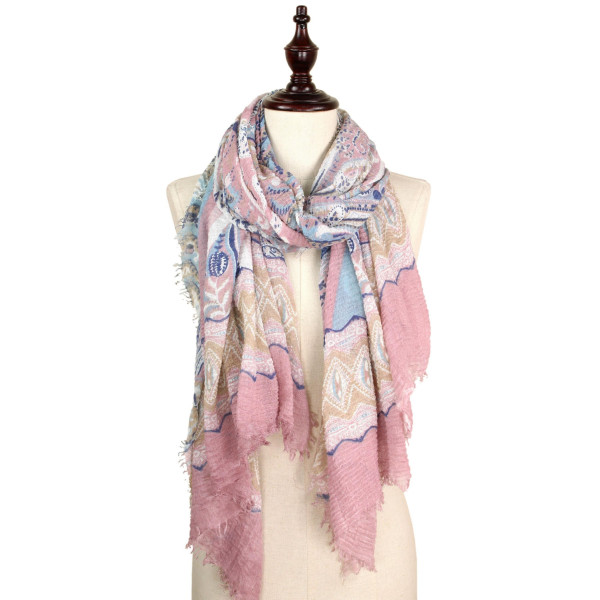Paisley print crinkled scarf. 100% polyester.