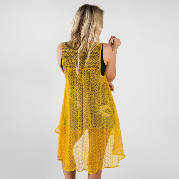 Long lace vest. 100% polyester.