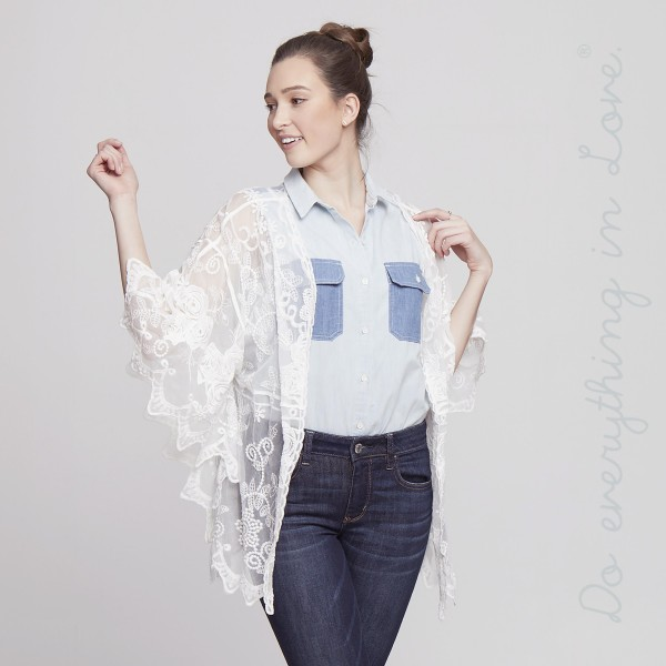 Short lace kimono. 100% cotton.