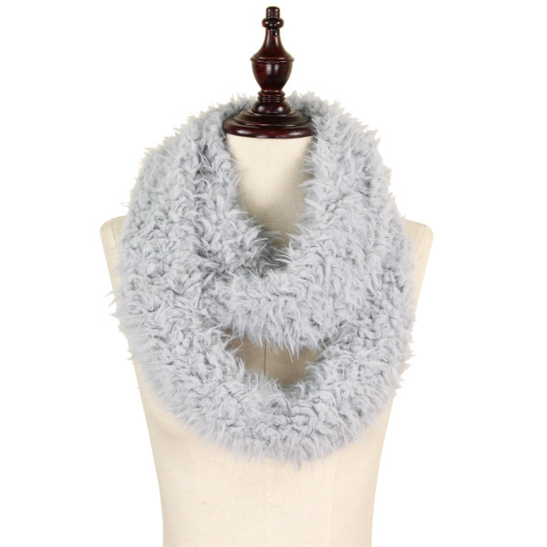 Faux fur infinity scarf. 100% polyester.
