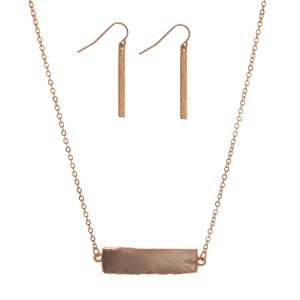 "Gold tone necklace set with a gray faux druzy bar. Approximately 18"" in length."