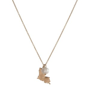 "Dainty gold tone necklace with a state of Louisiana pendant and a freshwater pearl accent. Approximately 16"" in length."