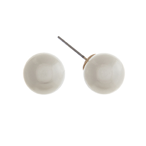 "3/8"" Faux ivory pearl post style earrings."