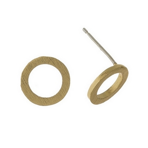 Brushed gold tone stud earrings in a cutout circle. Approximately 9mm.