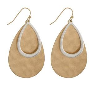 Metal fishhook two tone earring.