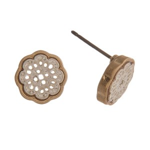 Two tone stud earring with filigree moroccan shape. Approximately 10 mm.