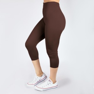 New Kathy / New Mix brown, summer-weight capris are seamless, chic, and a must-have for every wardrobe. These lightweight, interchangeable styles are versatile, perfect for layering, and available in many shades. Smooth fabric, 92% Nylon 8% Spandex. One size fits most, fits US women's 0-14.