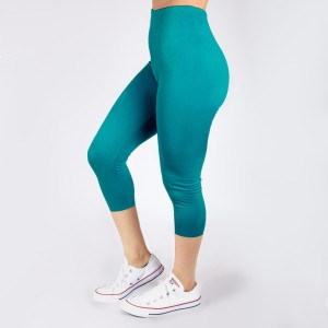 New Kathy / New Mix dark teal, summer-weight capris are seamless, chic, and a must-have for every wardrobe. These lightweight, interchangeable styles are versatile, perfect for layering, and available in many shades. Smooth fabric, 92% Nylon 8% Spandex. One size fits most, fits US women's 0-14.
