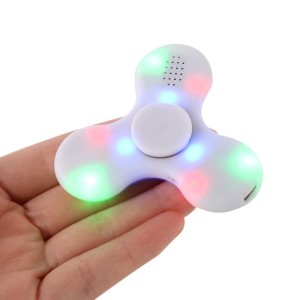 White 3-Bar Bluetooth spinner that streams music and lights up with an on/off. Allows you to spin stress away, and can even help some people focus! Ceramic ball bearings allow for long spin times. Speaker output: 1W Input: 5V/0.1A