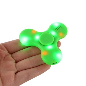 Green 3-Bar Bluetooth spinner that streams music and lights up with an on/off. Allows you to spin stress away, and can even help some people focus! Ceramic ball bearings allow for long spin times. Speaker output: 1W Input: 5V/0.1A