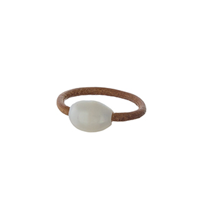 Brown leather ring with a freshwater pearl bead. Ring is a size 7 and is not adjustable.