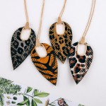 Wholesale cowhide leopard print hinge cut out pendant necklace Pendant overall